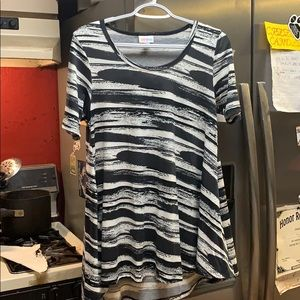XS LuLaRoe Perfect Tee Brand New with Tags